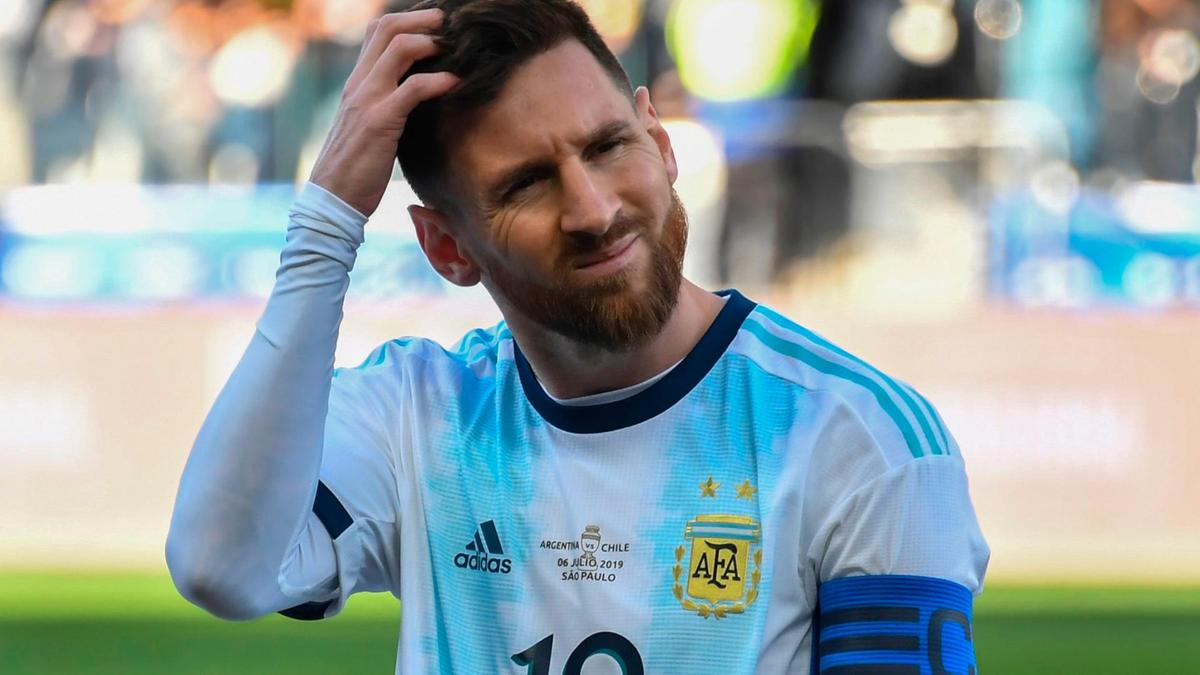 Picture of Messi playing for Argentina